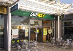 Subway Overtakes McDonald's in Fast Food League