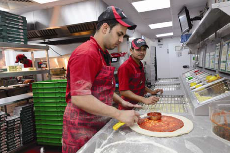 Free Medium Pizza & Breadsticks Or Large Pizza | Papa John's Coupon. Get 25 FREE Papa Rewards bonus points when you order $15 or more at Papa John's and enter this coupon code! Points will be deposited in your account the day after your qualifying order.